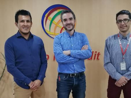 Banco ProCredit firma acuerdo con la empresa de paneles solares J3M Global
