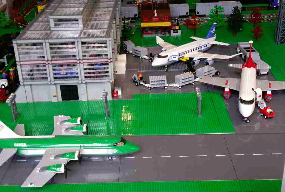 airport exhibit built by OKI Lug