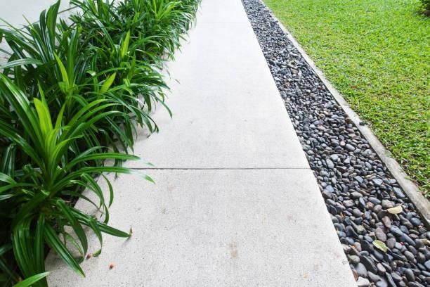 garden path tradesman