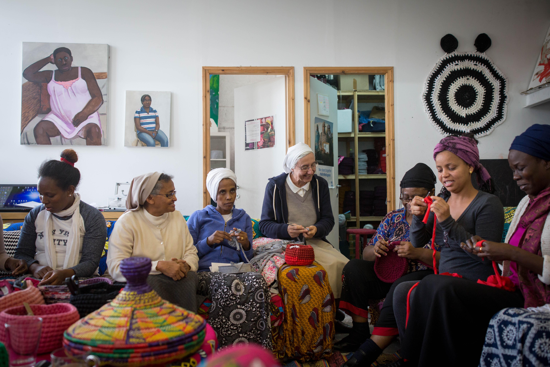 studio african refugee women