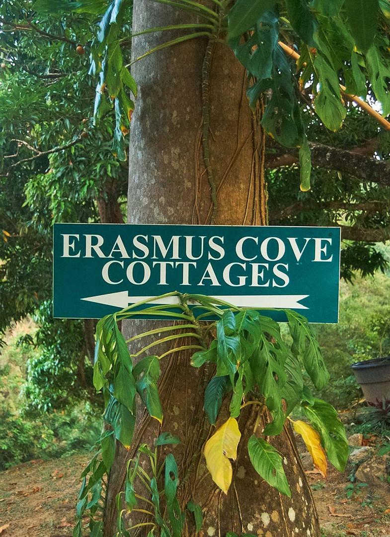 ErasmusCottagesSign_0062.jpg