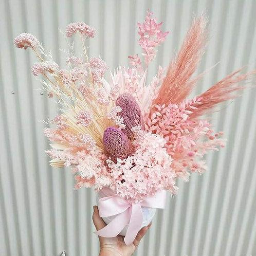 DRIED FLOWER ARRANGEMENT - LARGE