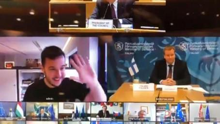 Голландский журналист в шутку подключился к закрытой видеоконференции министров обороны ЕС