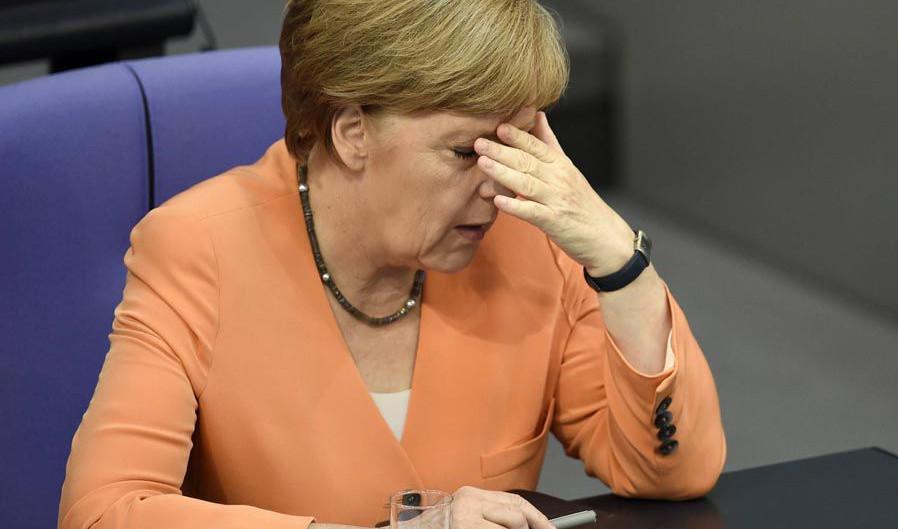В юбилей окончания Второй мировой войны хакер похитил переписку Меркель