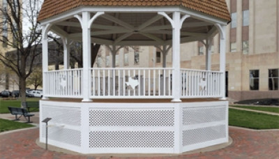 Custom gazebo railing and metal detail
