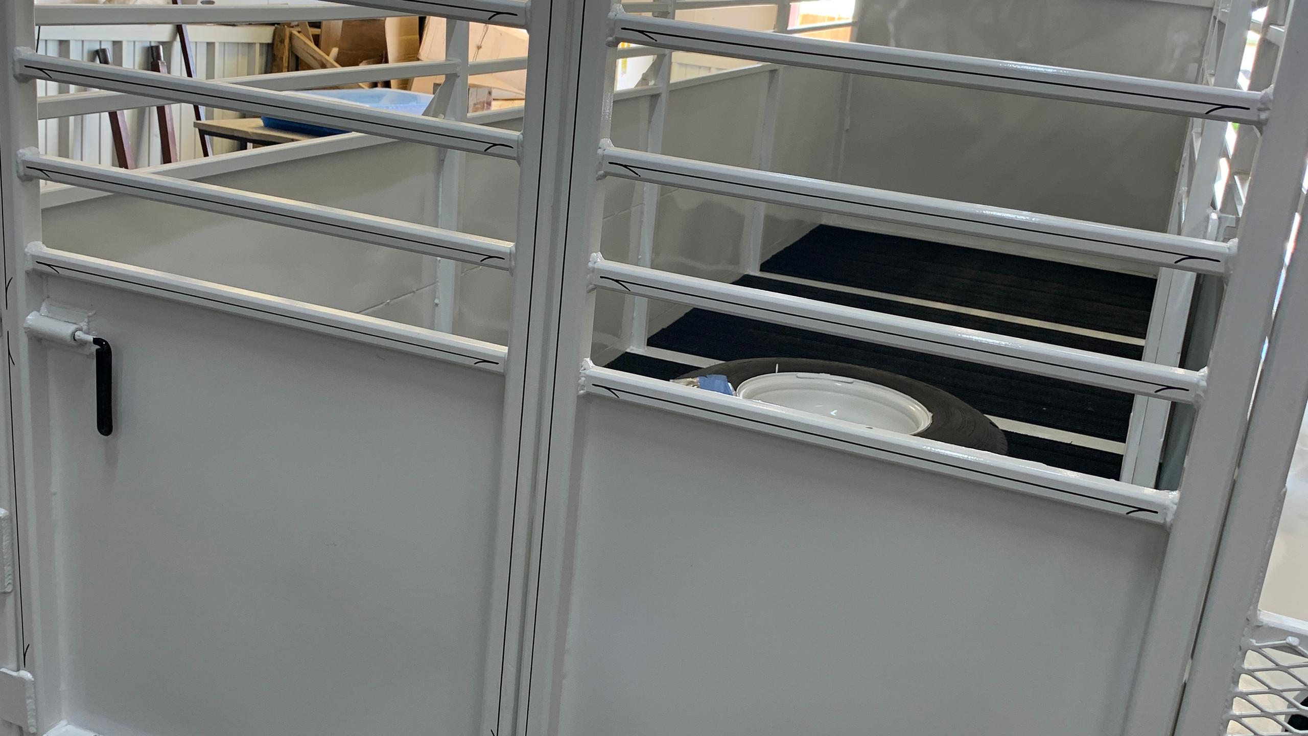 backside pin strip on trailer
