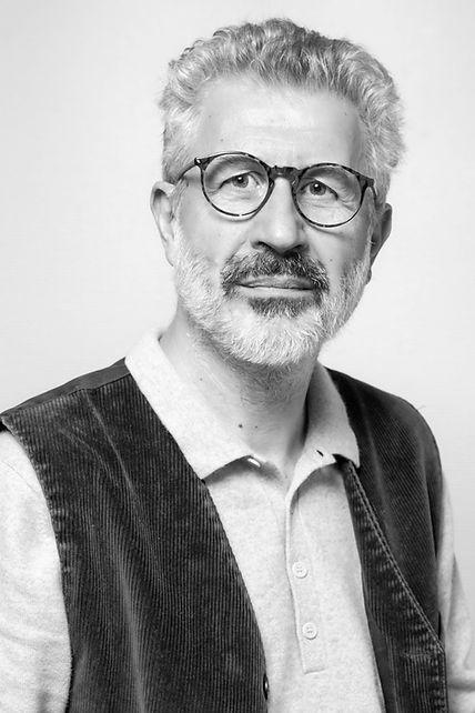 DR GAZARIAN