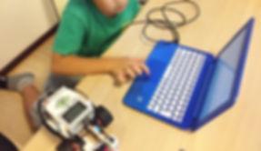 ロボ団高岡校|プログラミングの様子