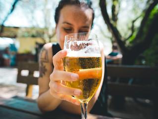COVID-19: LA CONSOMMATION D'ALCOOL SUR LA VOIE PUBLIQUE DÉSORMAIS INTERDITE