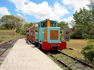 GUADELOUPE - TRANSPORT : Le petit train de Beauport sur des voies rénovées