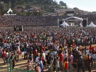 MADAGASCAR - FESTIVITES DU 26 JUIN: EXPLOSION A MAHAMASINA