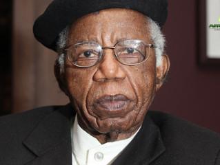 NIGERIA -  DÉCÈS : Mort de Chinua Achebe, l'un des pères de la littérature africaine.