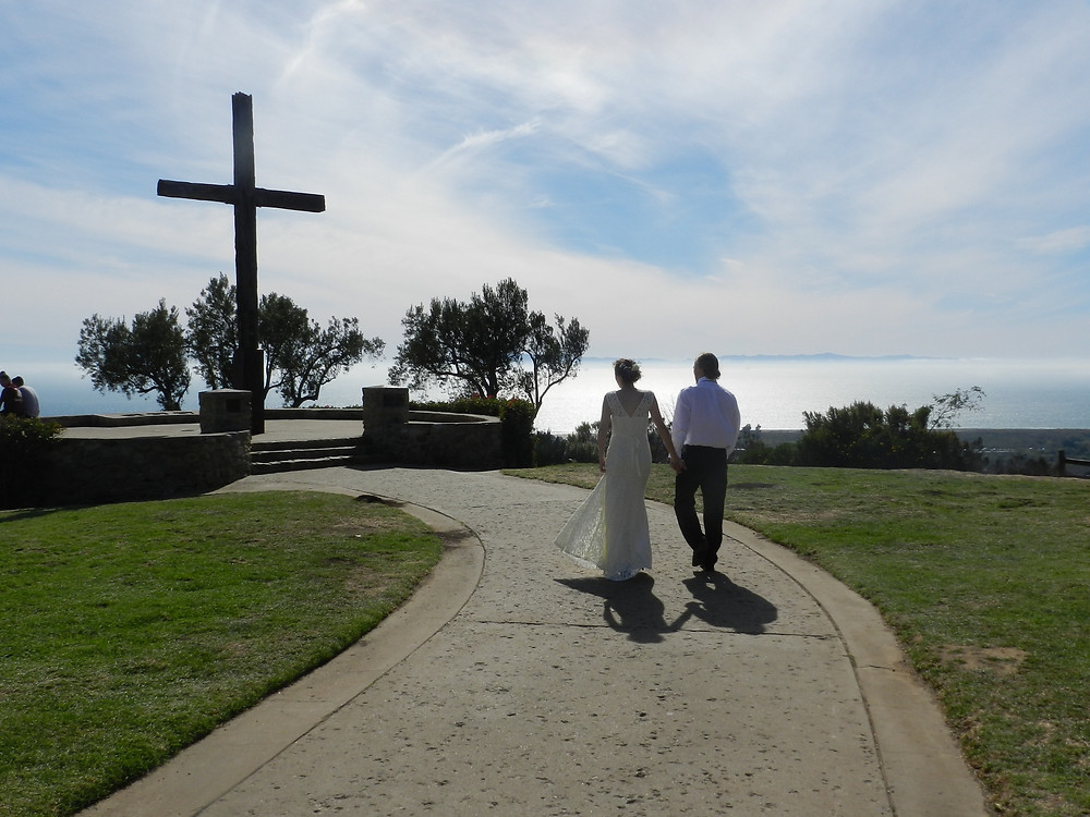 Newly weds Leilani and Joshua Williams at Sierra Park Cross in Ventura, California