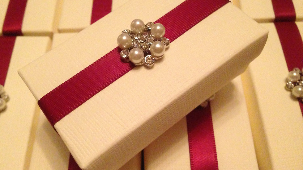 Pearl Wedding favour boxes