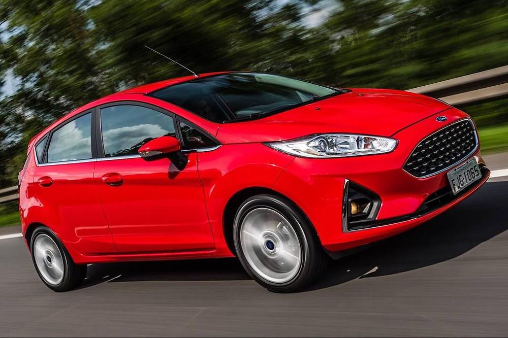 Carro vermelho, Ford Fiesta