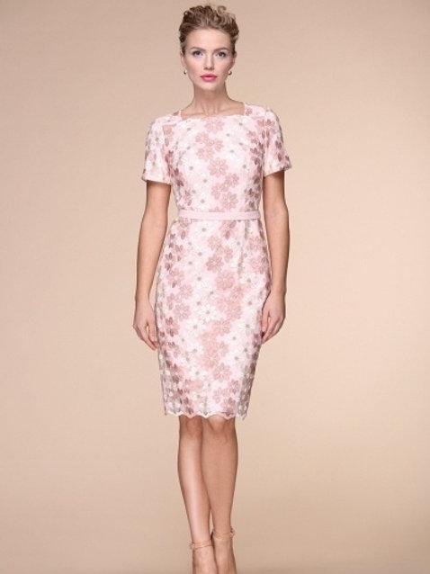 Платье розово-белое