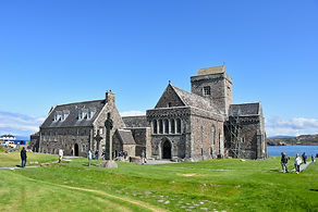 iona abbey 2 low res.jpg