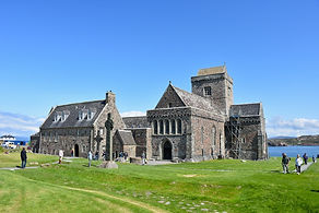 iona%20abbey%202%20low%20res_edited.jpg