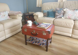 Vintage suitcase coffee table - Upcycled Furniture