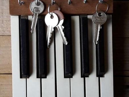 Piano Keys Key Rack