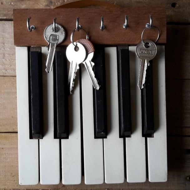 Upcycled piano keys key rack