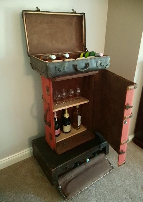 Suitcase wine cabinet