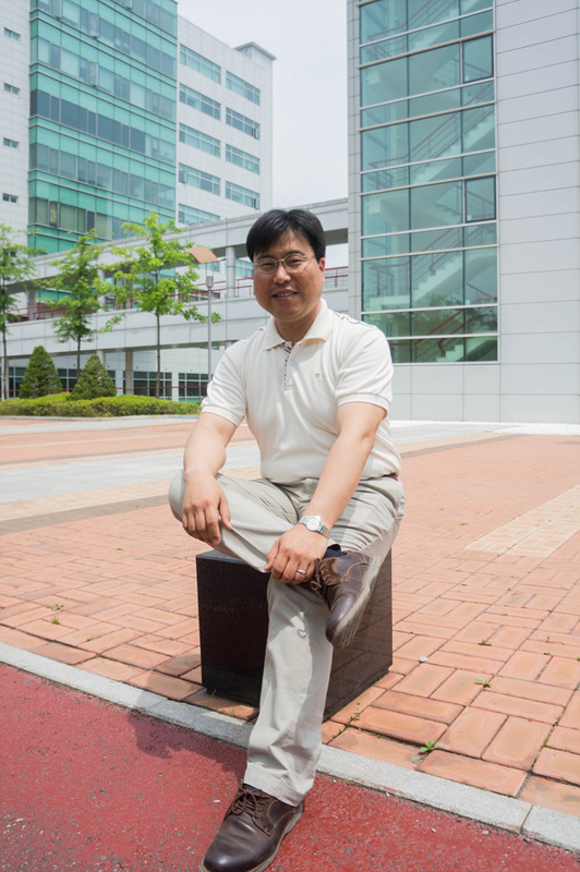 김연상 교수님.jpg