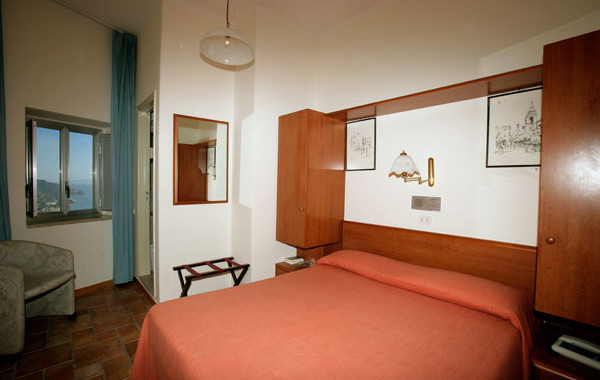 Room hotel sole castello Taormina