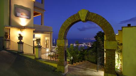 Ingresso hotel sole castello Taormina