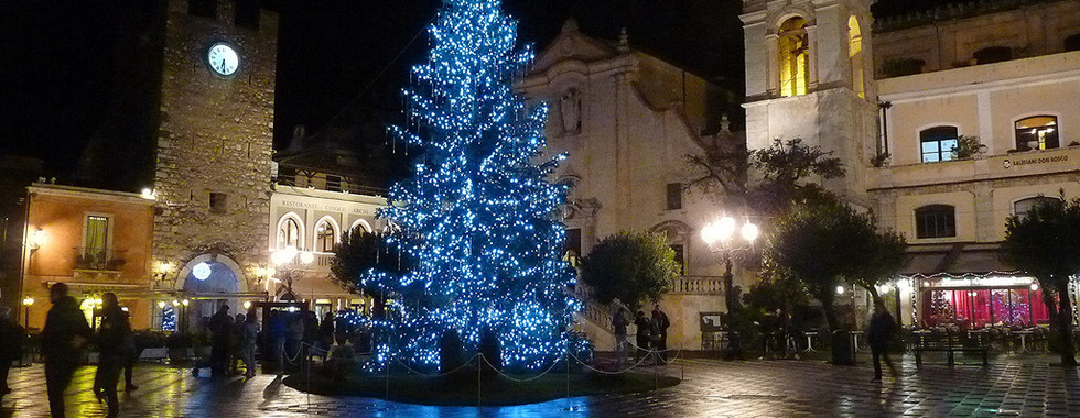 Taormina Christmastime