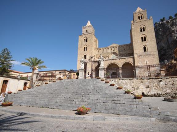 Cattedrale_di_Cefalù (1) .jpg