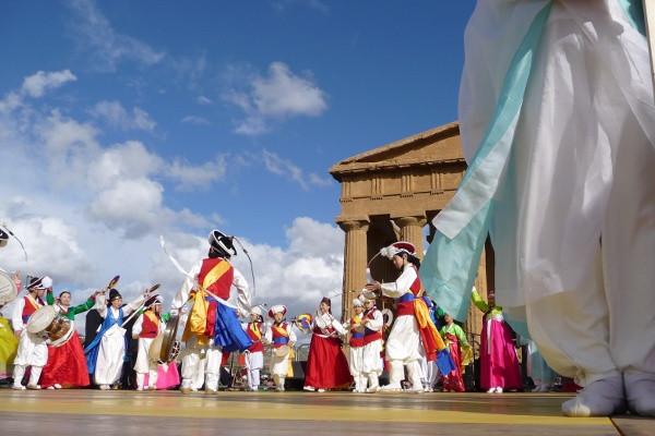 Agrigento -  danze per la Sagra del Mand