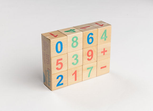 12 Wooden counting cubes