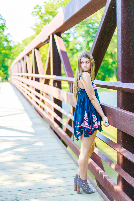 Leanna's Lens | senior photographer in Willoughby ohio