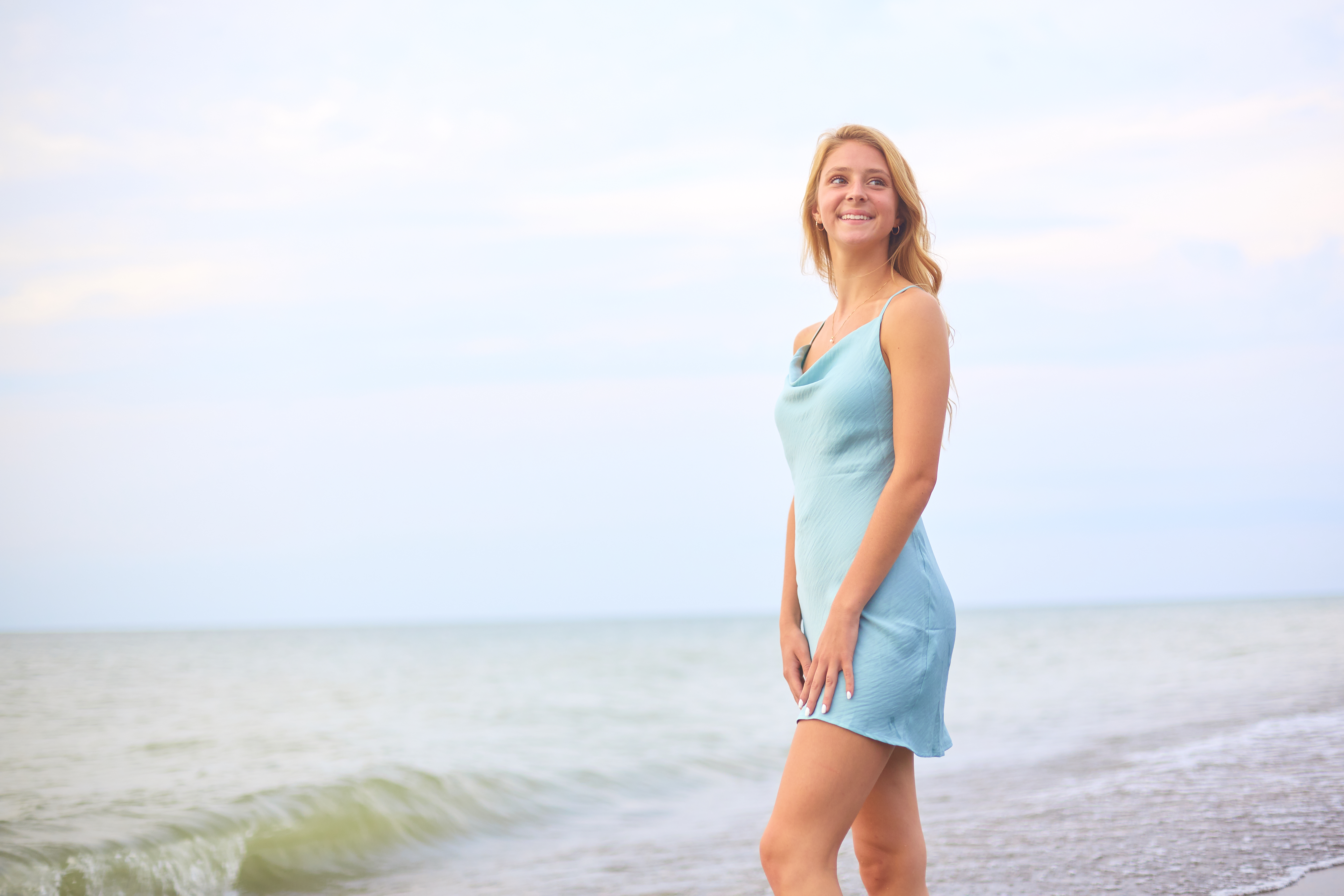 Leanna's Lens | Senior photography in front of Lake Erie