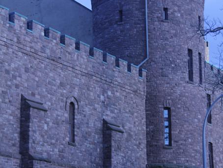 A Castle in the B-lo