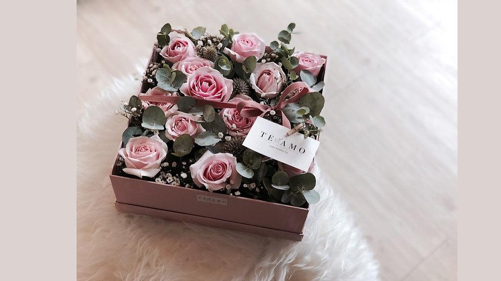 Sweet Pink Rose Box