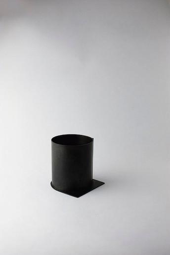 Polyphony of Silence llI. flower vase.4