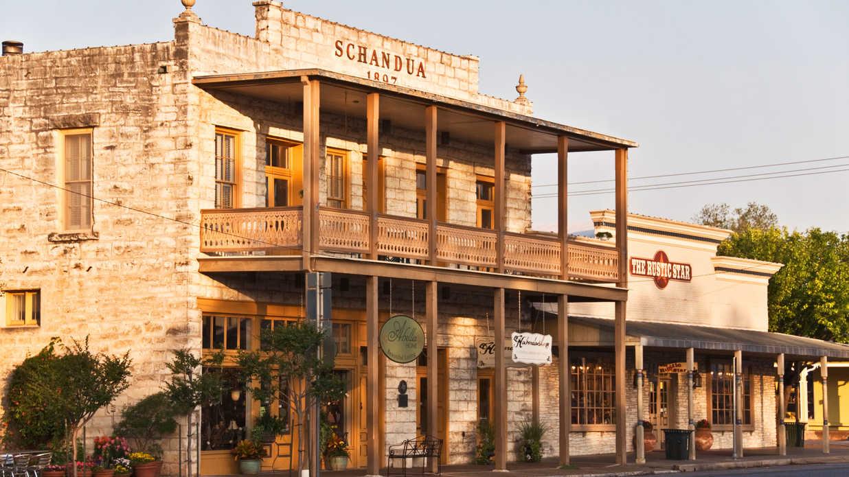 Main-Street-Fredericksburg,-TX