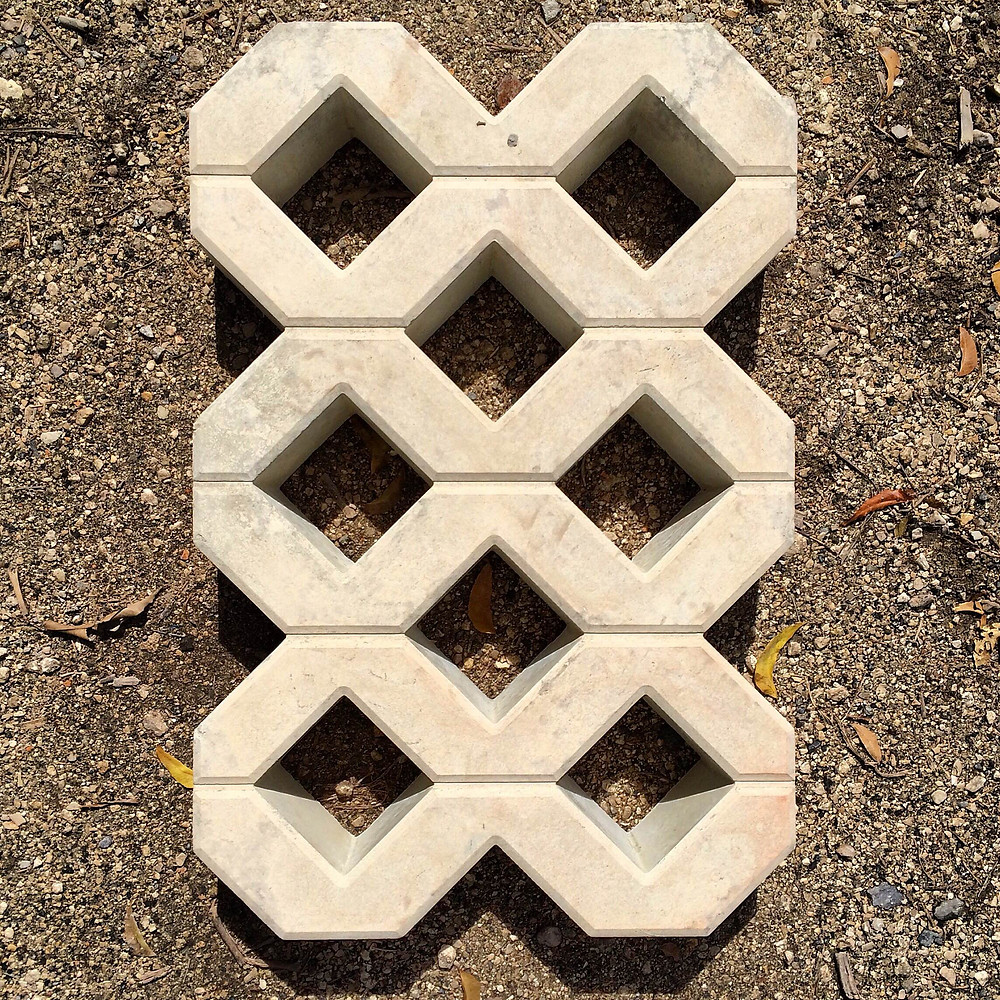 Diagonal Grass Stone