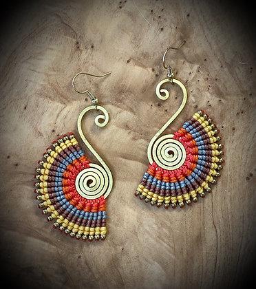 Evening Swan (vradinós kýknos) - Handwoven Greek Earrings