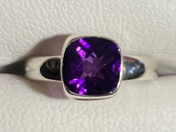 Cushoin Cut Amethyst & Sterling Silver Ring