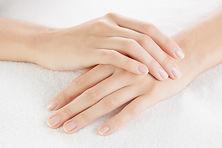 Fingernägel und Haare wachsen stärker denn je - wenn das kein belebendes Zeichen ist!