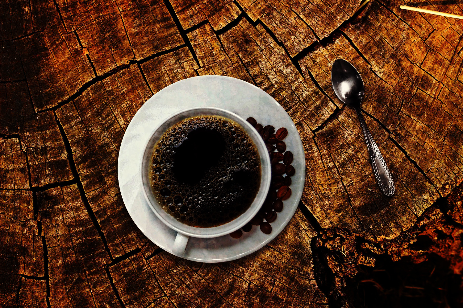 coffee on wood_edited