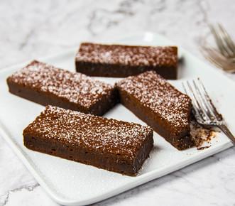 DESSERTS_CHOCOLATE BROWNIE.jpg