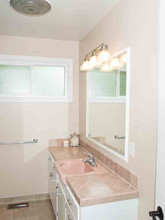 455 Conifer_081 Bath 1.jpg
