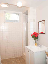 455 Conifer_120 Bath 2.jpg