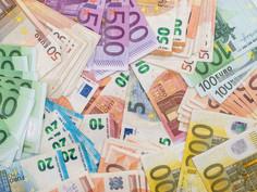 Governo irá pagar bônus Natal para pessoas que recebem auxílio Covid-19