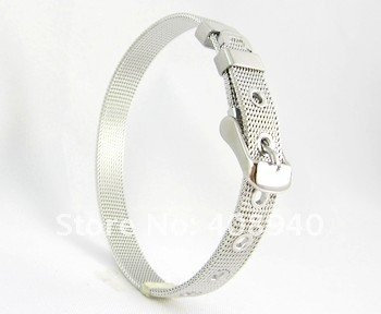 Bracelet to charms