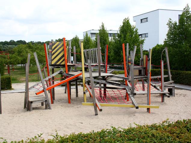 Gestaltung und Anlegen von Spielräumen, Spielplätzen, Parkanlagen, Spielgeräten